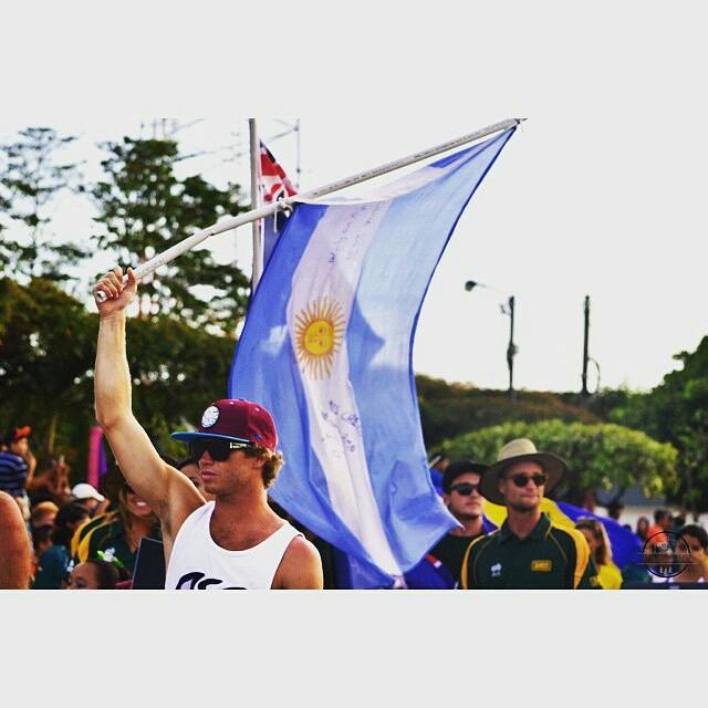 @leleusuna -  Que alegria. Hoy todos los integrantes del equipo argentino pasamos nuestros heats. Mañana van las chicas. A seguir avanzando. #VamosArgentina #HayEquipo #ISAWSG #MundialISA #WorldSurfingGames #SurfNica #surf #surfing  #ReefTeam...