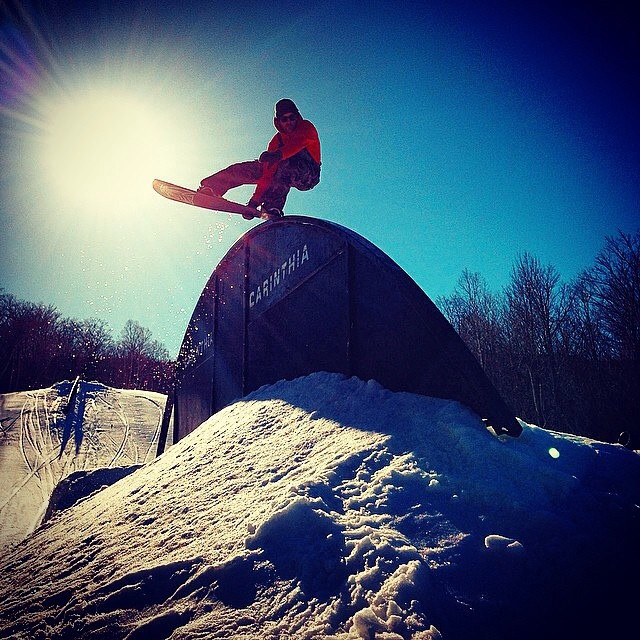 @shaunmurphy413 can do frontlip roastbeefers in his sleep. So he decided to do one on a rail at @carinthiaparks with the #fluxBindings crew. Keep an eye out for the spring edit coming to an interweb near you in Fall 2015.