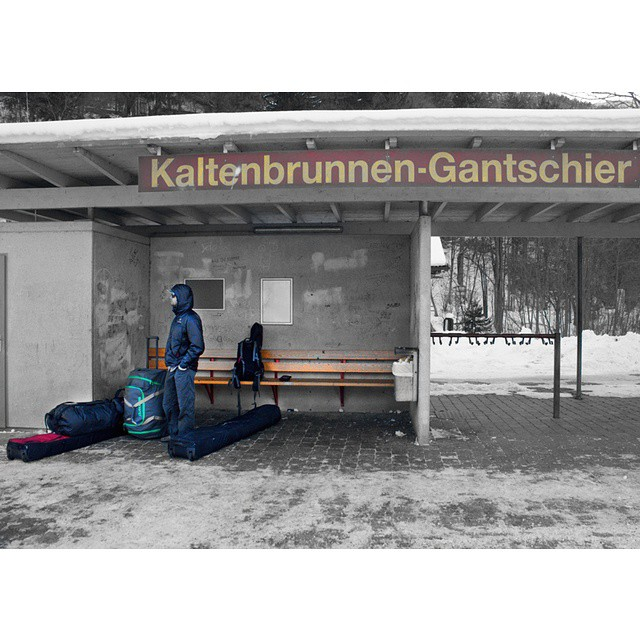 @eric_hjorleifson the #righteric waiting for the bus in Austria. #shapingskiing