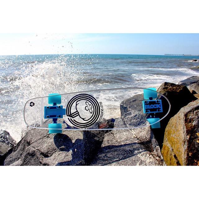 clear innovation with @blockrisers #jellyskateboards #blockrisers #jellykingslayer #jellyrolls #oceanbeach #skateboards