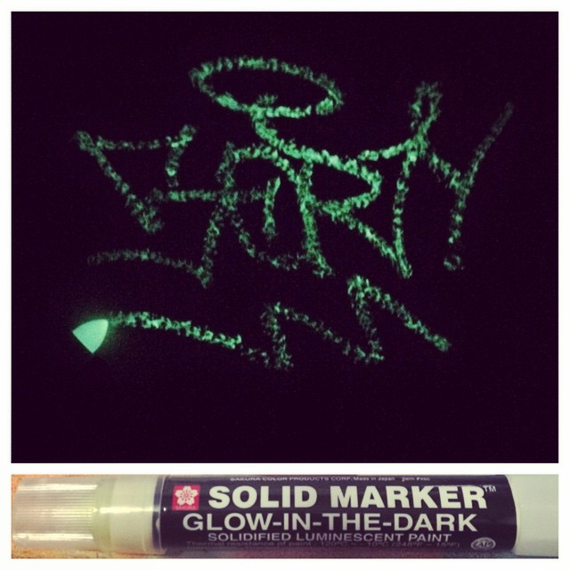 @_ztros popping up in dark places.. Glow in the dark streakers available now! #SPRATX art supplies 501 Pedernales 12:30 - 7:30 everyday closed Wednesday. • • #ATX #austintx #TEXAS #tx #graffiti #grafite #art #artsupply #streetart #tagging #handstyle...