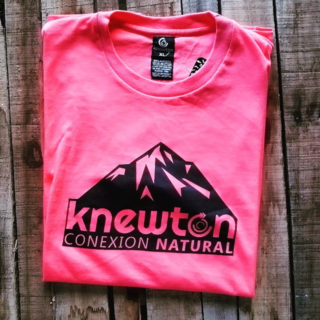 "Eaaeaaaeee!! La nueva Tee ""Arcalaska""! Winter Colection 2015! .:Conexión Natural:. #WINTER #COLECTION15 #FRIENDS #ANDORRA #ARGENTINA #SNOWBOARD #SNOW #TRANKASTYLE #CONEXIONNATURAL #KNEWTON"