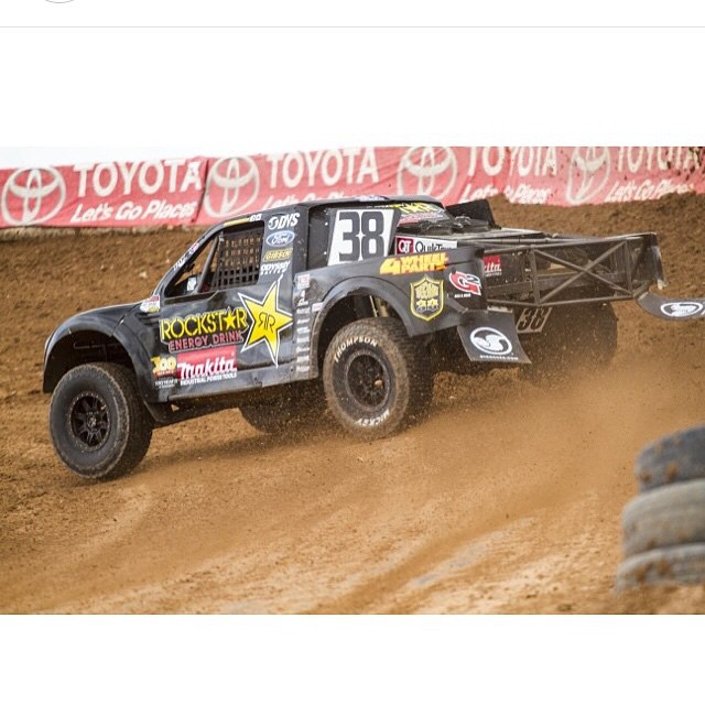 @lucasoiloffroad races tomorrow and Sunday at Lake Elsinore! Busy weekend for the family. @dangerboydeegan is racing Glen Helen this weekend while @hailiedeegan538 and I race LOORRS