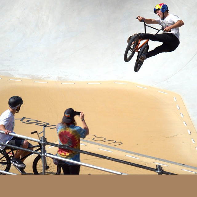 @sirlayos bringing some style to day one of BMX Park practice! #XGames (