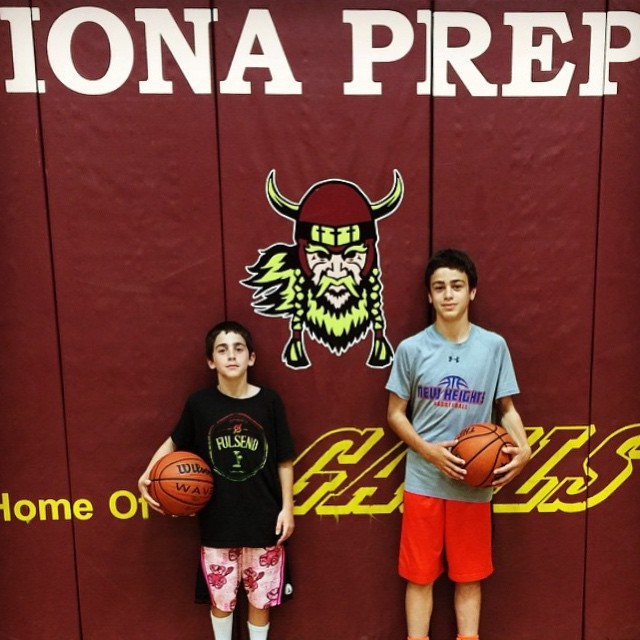 Thanks for the pic @daddynew1 #basketball #JustSendIt #ionaprep #iona #hoops