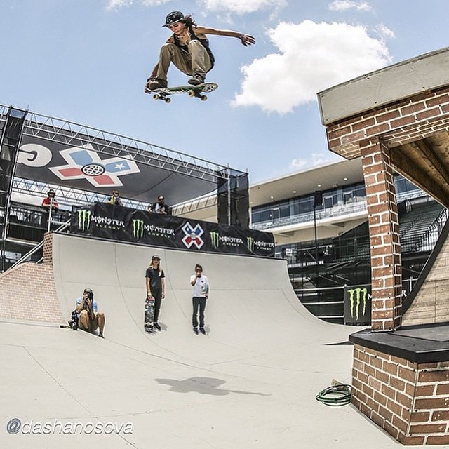 @kateshengeliya shutting down the first day of #xgames practice with a bang.
