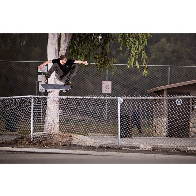 @_julian_davidson >>> Frontside Flip >>> Photo by @jbradford_photo #styleformiles #juliandavidson