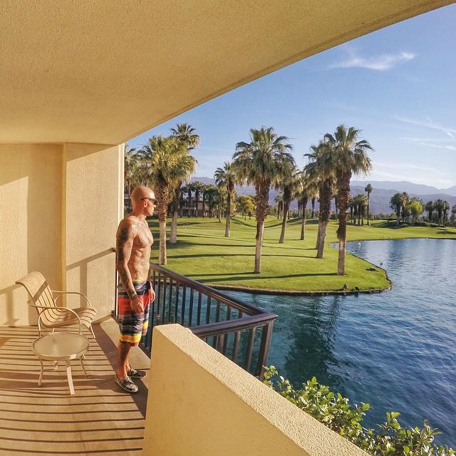 The weekend awaits || Better grab your Hovens #hovenvision #teamhoven #tbt #sunglasses #california #wake #wakefitness #palmsprings #desert #summer #june @treljumper