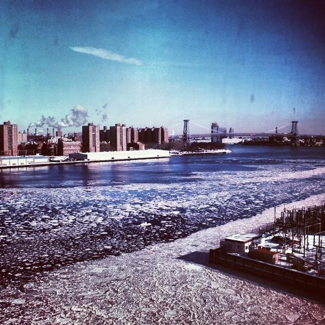 #polarvortex 2nd round. The #eastriver is #frozen but we're still going. #stokedneverstops #dumbo