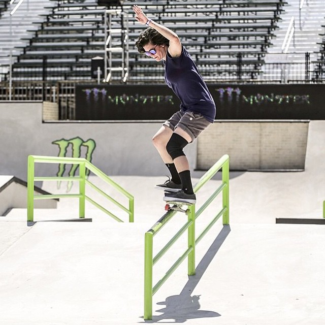@loccnessy locked in on a fs 50-50 during #xgames practice. The contest will stream LIVE at 11:30am tomorrow on watchespn.com! #ladiesofshred