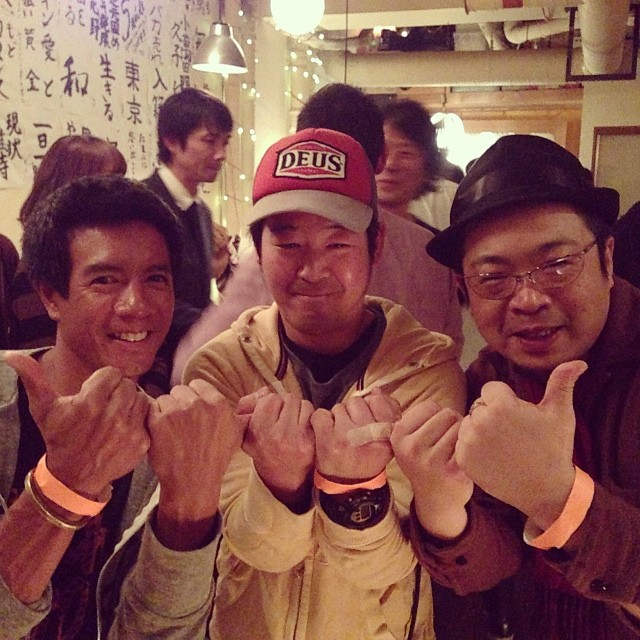 Triple threat #Shaka with my #Tokyo connection at an underground #party. I was the only non-Asian. Mahalo #futabafruits for the invite. #sugoi #dontpanicitsorganic