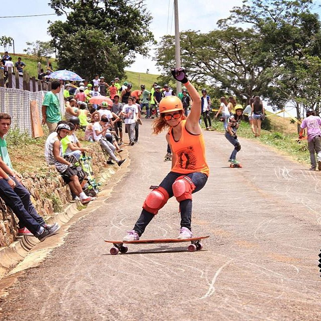 Go to longboardgirlscrew.com to check @adriluu16 from LGC Costa Rica. Hope you're all having a great weekend! x @wadafocmagazine photo  #longboardgirlscrew #womensupportingwomen #girlswhoshred #skatelikeagirl #adrimorales #costarica