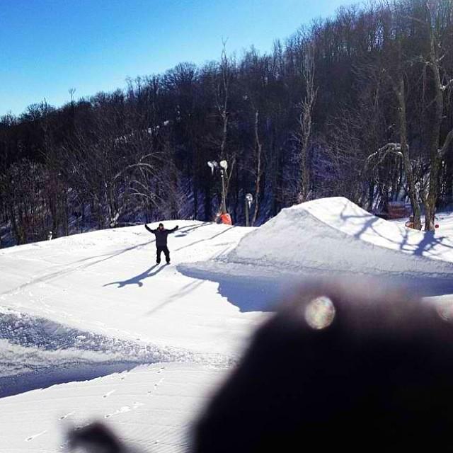 Big Air SFTC at @appterrainpark Sunday is looking like its going to be a good time! Good work @ckskinc #stzlife #bigair #bigjumplittledude #snowboard #shrednc #happyshredding #professionaloutsider #cork #doubles? Stoked to see what @_lukewinkelmann throws