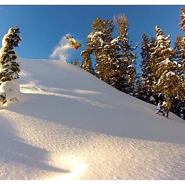 Taking advantage of some early morning light . #TetonPass #ProperMethods R: @aktoz #sunrise