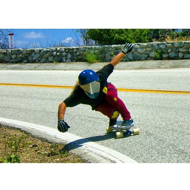 Rachel Bagels @skatebagels is back from an injury shredding her local southern California mountains with style! Yay! #longboardgirlscrewUSA #longboardgirlscrew #girlswhoshred #skatelikeagirl