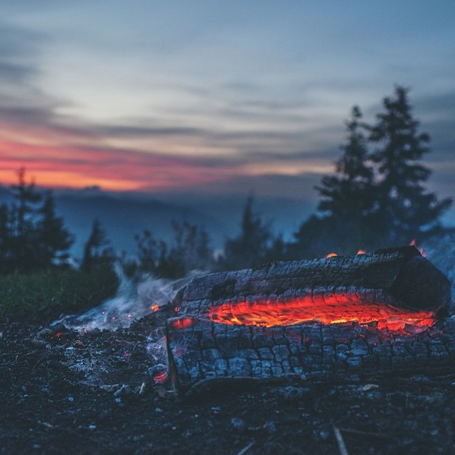 Summer nights are always coming in clutch especially when your biggest responsibility is stoking the fire // congratulations to @intherivervalley for winning the #NatureofSummer Giveaway!  If you haven't seen our collab with The Nature Conservancy,...