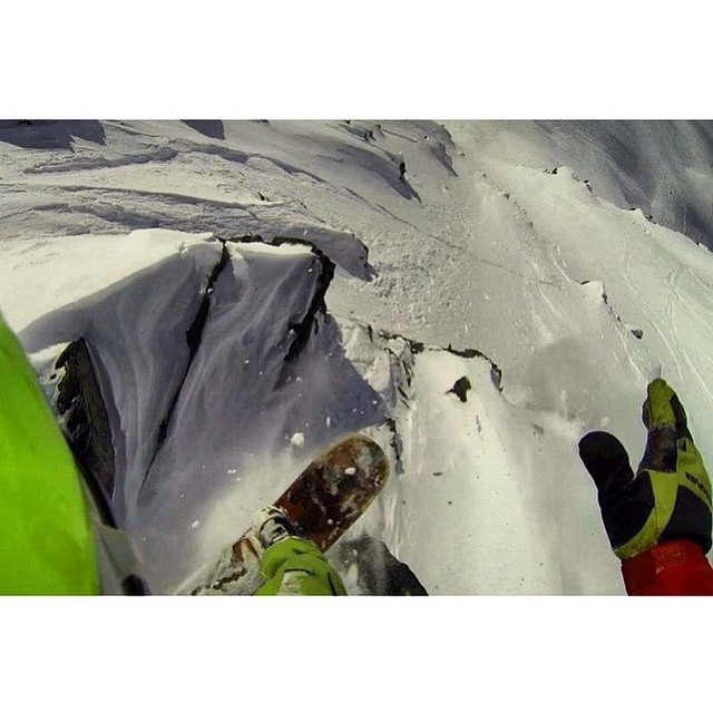 Team rider from #Canada @goldenrider4two0❄️#FrostyHeadwear #EmbraceYourOpportunity #Snowboarding #GoPro #GoProOfTheDay