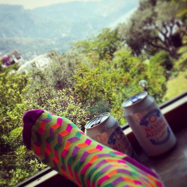 #MediasConOnda con una vista divina de #Sorrento #LoveYourWorld #LoveYourSuarez #style #socks