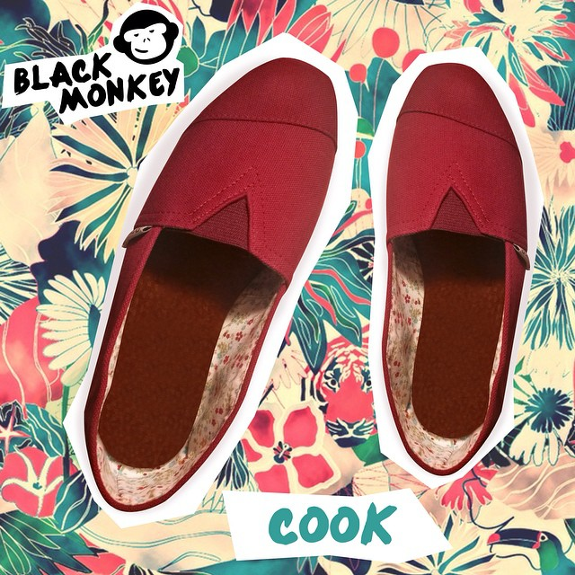 Una opción para hoy Black Monkey Cook. @blackmonkeystore #alpargatas #cook #flowerpower #tuesday #design #blackmonkey #happyfeet #fashionstyle