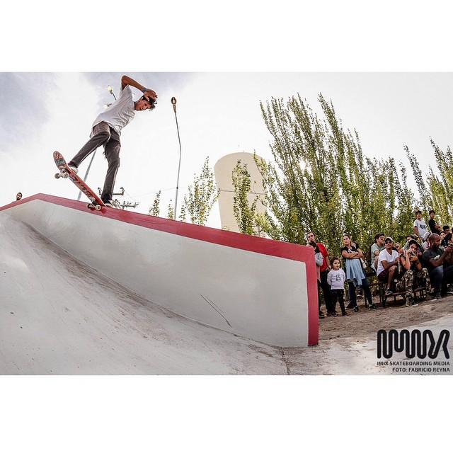 Nico Hernandez - fs tail - Neuquen By Fabricio Reyna. IMIX #SKATEBOARDING MEDIA - #gotcha #gtch #youngdiamonds