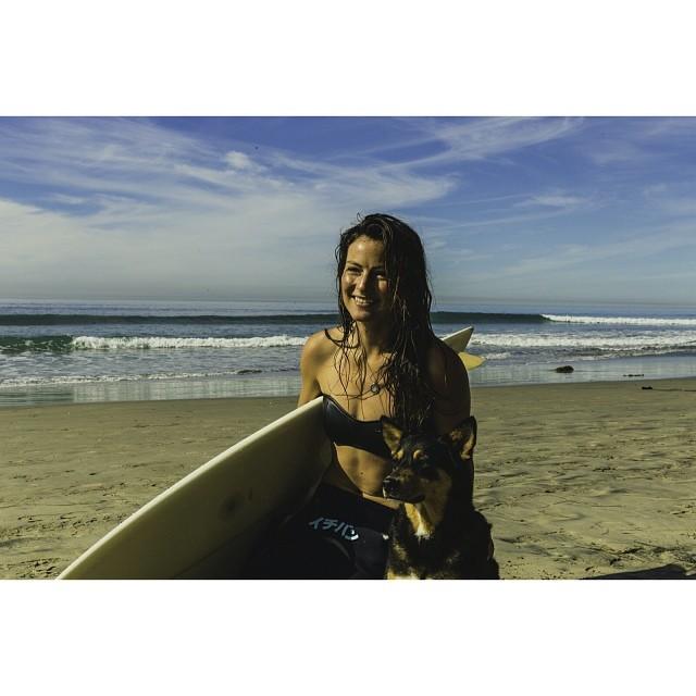 Matuse loves Abbie @abbiesurfs @surfcat #lovematuse