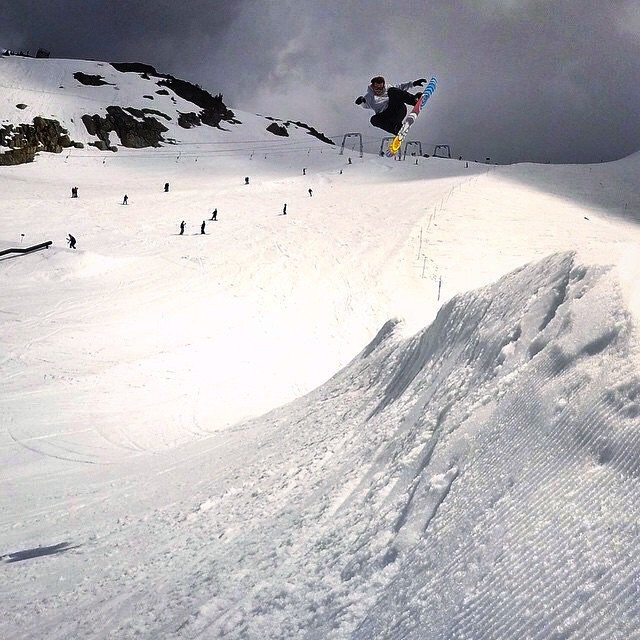 @chrisrasman got some time out at the @whistlerparks glacier up in Canada with @themanboys recently. Looks like fun! @gopro photo: @jodywachniak #Whistler #summer #glacier #FluxBindings #snowboarding