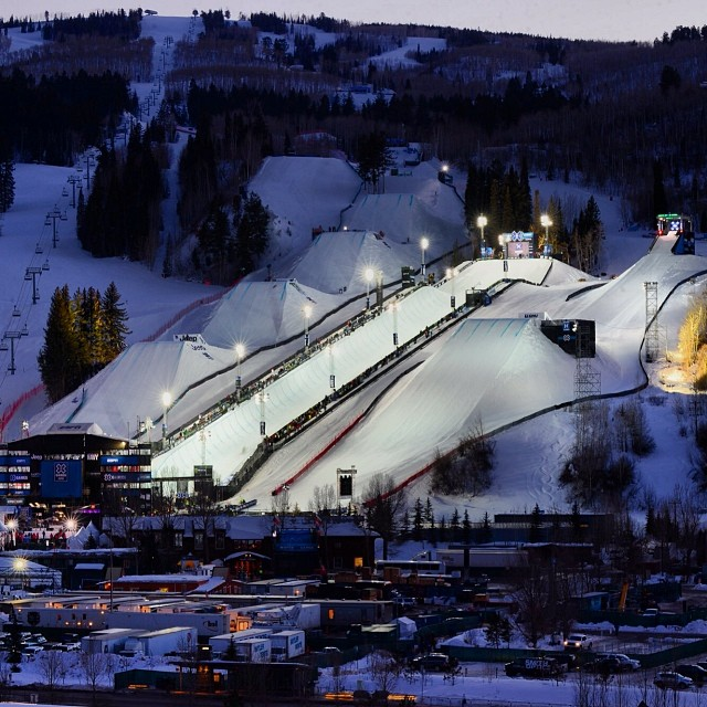 What better way to kick off the weekend than #XGames under the lights!  Snowboard Big Air & Men's Ski SuperPipe on @espn
