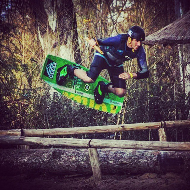 ** WakeStar ** @edu_elli @thegreenparrotco @palapapa_ #water #beach #wakepark #rider #wakeboard #jump #style #high #green #palapapa #session #perfect #shot #photo #color