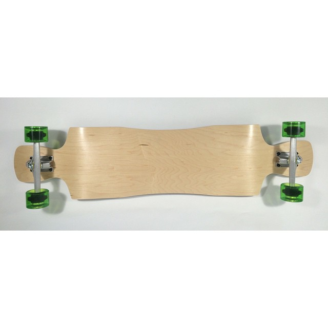 #crystal #topmount #dropdown #longboard is super smooth and has insane #pockets #madeinamerica #maple #longboarding #skatelife #skateshops #skatedaily #kongboarddaily #longboardeveryday #cali #cruiser #concretewave #getbuck #funbox #funboxdistribution