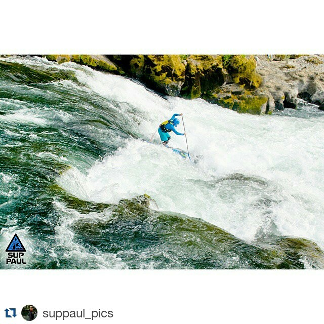 #Repost from @suppaul_pics ・・・ The Narrows Rapids, NUmpqua River. #halagearsup #kialoa #astralwhitewater #shredreadyhelmets #umpqua #riversup #paddleboarding #whitewater #suppaul #thenarrows #rapids #bestoforegon