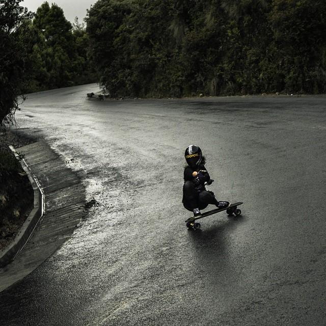 @chelagiraldo slipping and sliding in the wet