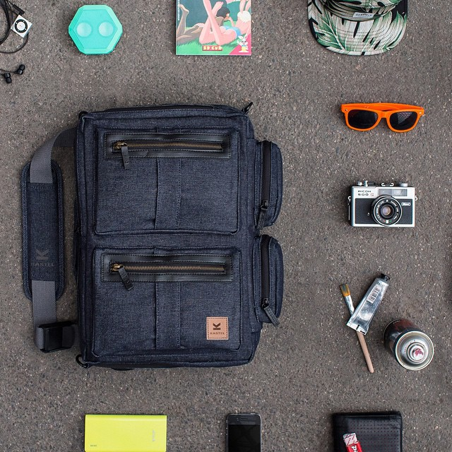 @kastelbags are designed with custom storage for all gadget #essentials. Messenger bag for the gizmo fiend.