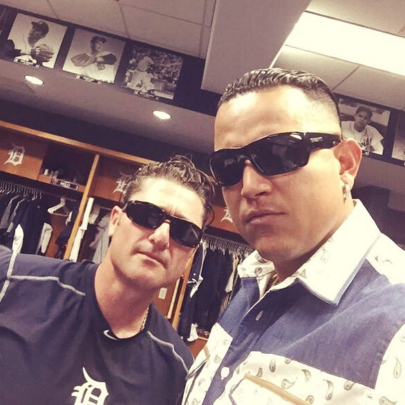 Huge thanks to our Detroit @tigers supporters, Coach Newhan, and the BEST in the game @miggy24 for rockin our shades. #hovenvision #teamhoven #sunglasses #miguelcabrera #mlb #tigers #detroittigers #baseball #tbt #detroit #mvp
