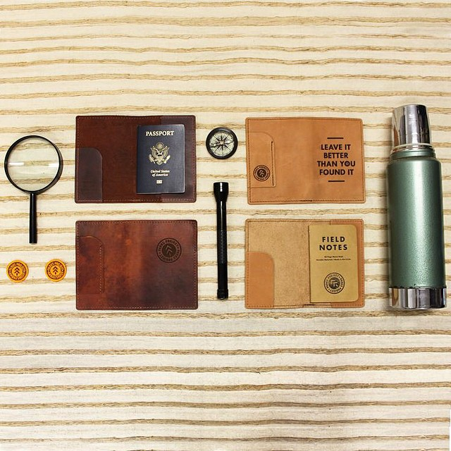 Stash your passport, pencil, field notes, and maybe a few band aids in this awesome travel companion, and get style points along the way. Comes with a Field Notes mixed 3-pack to get you started. #parksproject #radparks #madewithpurpose