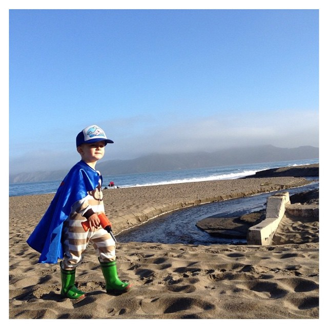 Super William is one of our born & raised SF Surfrider babies. He has been protecting Baker Beach since baking in his Super Mom's belly. Follow their super hero beach life @bakerbeachsf! #stokedsfsurfridervolunteers #sfsurfrider #surfrider...