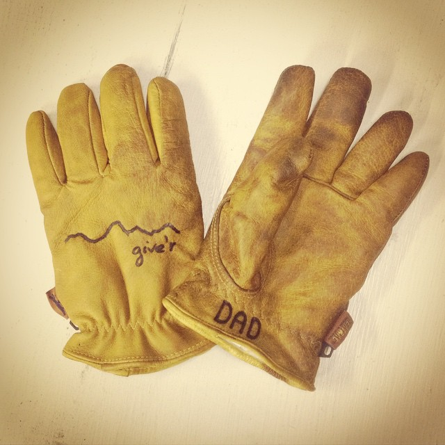 Last day to order Give'r Gear for guaranteed Father's Day delivery.  Gloves and more.  Come see us at @contourfestival and Give'r this weekend with some quality tunes.  #fathersday #gift #contourmusicfestival