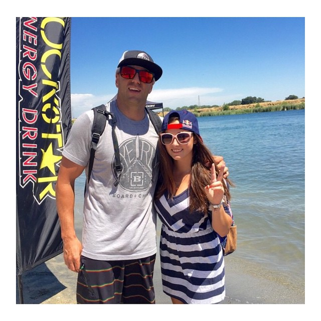We have Hoven brand ambassador @chad_lowe in the Mosteez sunglasses and our newest wake boarder @larisa_morales sporting the pink Skinny Legs shades at the @thewwa event. #hovenvision #natique #redbullmexico #redbull #wakeboarding #wake #skinnylegs...