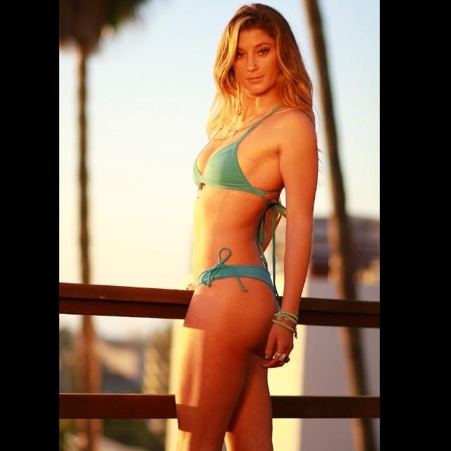 Happy Sunday Funday everyone! Hoping we get some sunshine today! Local Honey girl @kk_rose looking stunning in the 2013 Brazil 1 collection!  #sundayfunday #waterwomen #localhoneyswim #reversible #bikini #surfergirl #sunshinelover #surf #sup #supyoga...