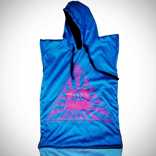 PALAPAPA    TURQUESA Y FUCSIA #surf #wakeboard #kitesurf #sup #wear #clothing #color #towel #hydrowick #sport #riders #perfect #style #cool #like #changer #palapapa