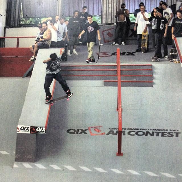 #tbt @kelvinhoefler na Final do Circuito Brasileiro Amador #QIX lá nos idos de 2007, realizado na antiga pista da QIX em Novo Hamburgo - RS. Quem lembra e curtiu esse campeonato? #throwbackthursday #MemóriaQIX #skate #skateboarding #skateboardminhavida