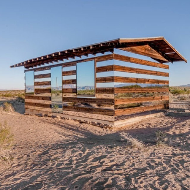 #NoFilter #LiveOutside -- American Artist Phillip K Smith, has designed this #desert shack in California with Mirrored-Panels to create the illusion that you can see straight through the structure . #Trippy