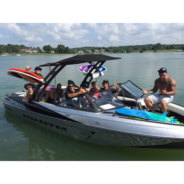 @cztommy wakesurf demo's with @pullwatersports today!  The @malibuboats are packed all day!
