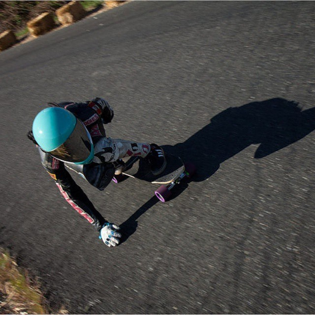 #viciousteam rider @cocomarii was out at the #maryhillfreeride last weekend for sunny laps with the homies. Here she is dipping right into one of Mary's many curves with #viciousblack