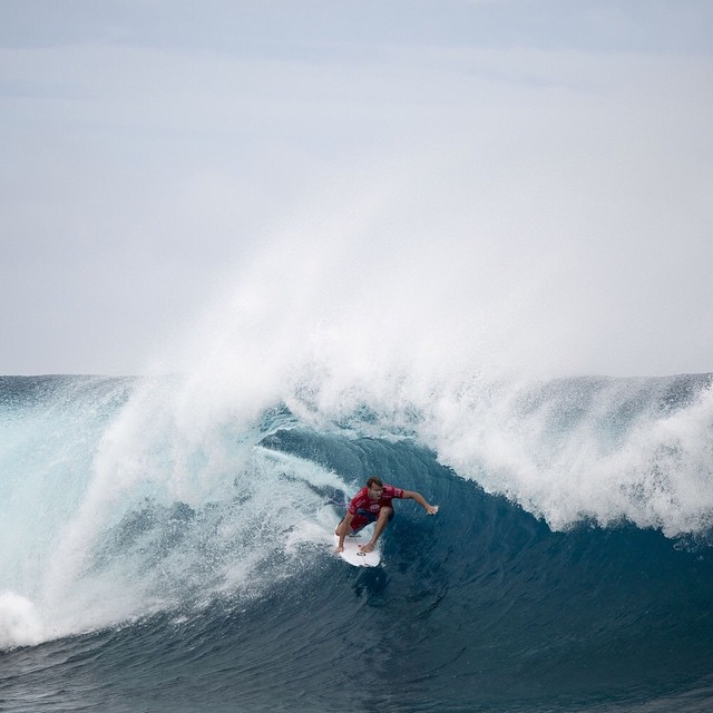 The @wsl Fiji Pro's final day is up and running in epic conditions. @tajamos is in the water now for quarterfinal two with @joelparko coming up right after in quarterfinal number three. Tune in and watch all the action at worldsurfleague.com.