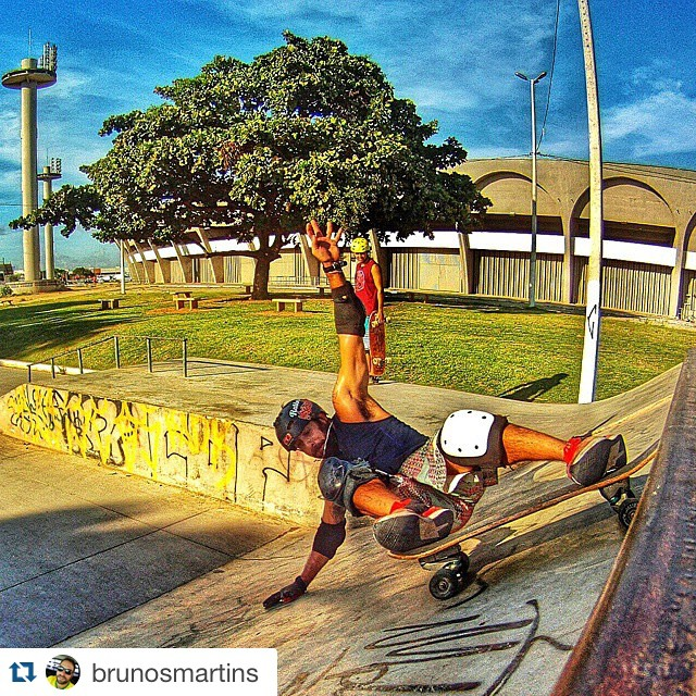 #Repost @brunosmartins with @repostapp. ・・・ Onda de concreto do Almeidão. #longboard_brazil #losboards #longbrothers_pb #carverbrothers_pb #carver #carverskateboards #longboard #skate #sk8 #gopro #surfskatestyle #_longboardstyle  #world_longboard