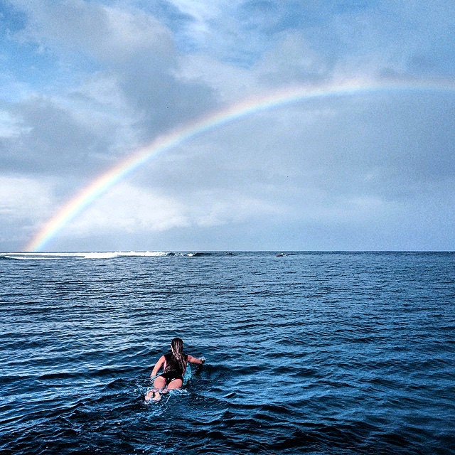 Somewhere over the rainbow in Tahiti with @monycaeleogram #ROXYready  #regram from @crossandbone