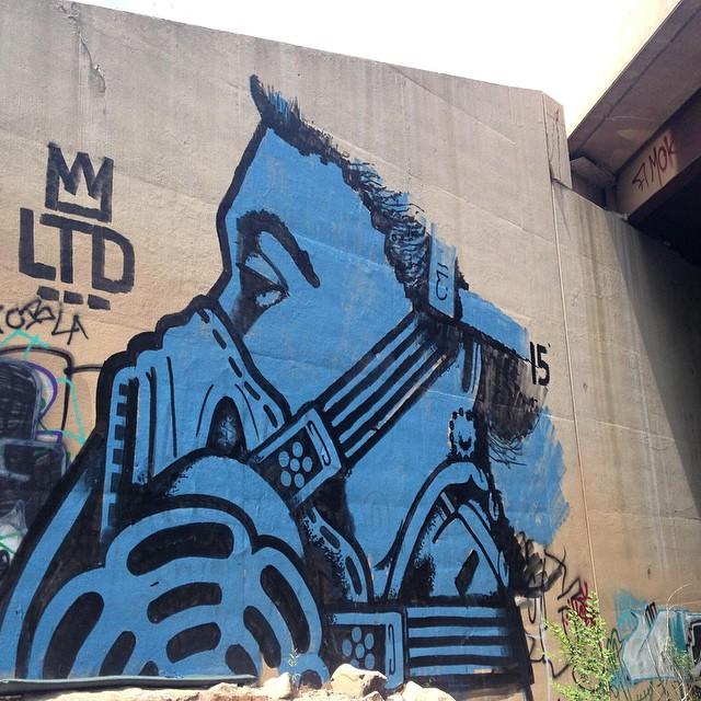 @jasoneatherly still killing it out in Denver Co. • • #jasoneatherly #jasone #queeneli #ltd #spratx #graffiti #grafite #streetart #artlife