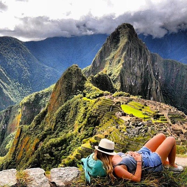 Por dónde andan sus #paez de vacaciones? Share it using #paezholidays. Esta es de nuestra amiga @jennythefinn en #machupichu  #paezshoes #nap #perú