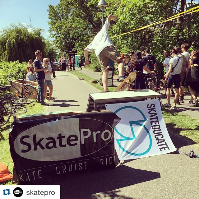#Repost @skatepro  We just put up Freshpark ramps with @skateducate near a local festival called Northside.  Go skate it's free n fun #skatepro #skateducate #Freshpark #sun #festival #goodtimes #skate