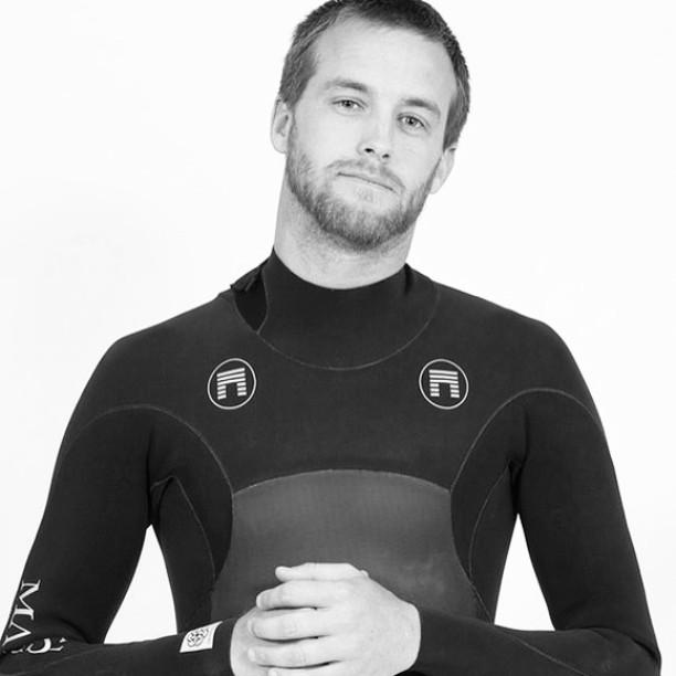 @mccallumsurfboards in the Hoplite aka the Ichiban aka #geoprene aka all Fullsuits offered at 40% savings PC @robertschellphotography #ckth #lovematuse